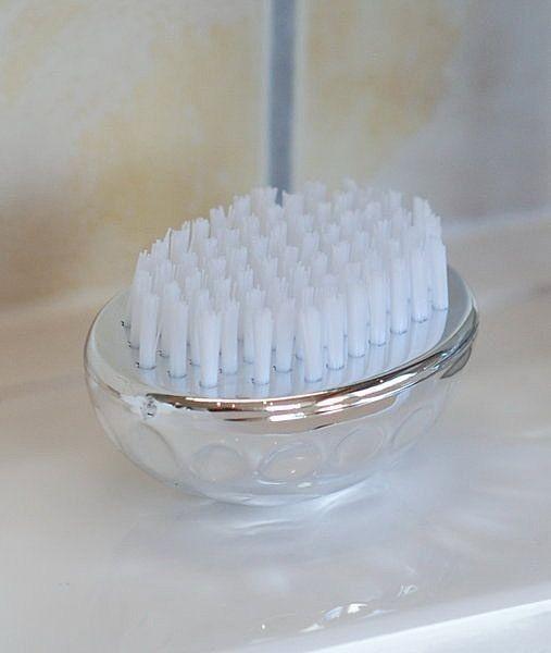 Handwaschbürste mit weißen Nylon-Borsten,Nagelbürste im griffigen Golfball-Design
